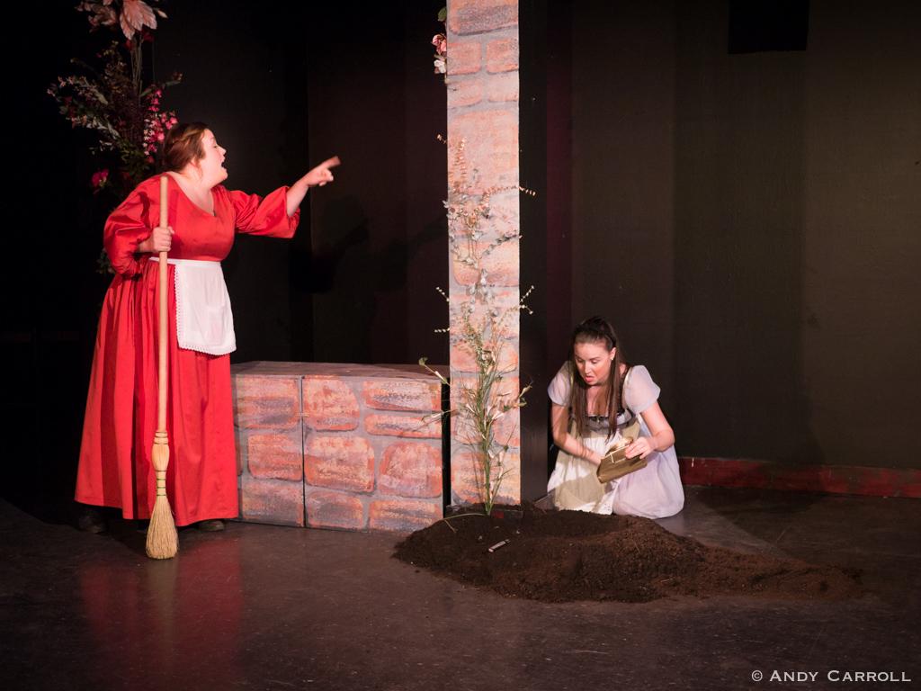 Sty (Meg O'Sullivan) and Celia (Elizabeth Moody)